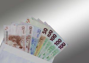 commissions dues au salarié licencié sans cause réelle et sérieuse